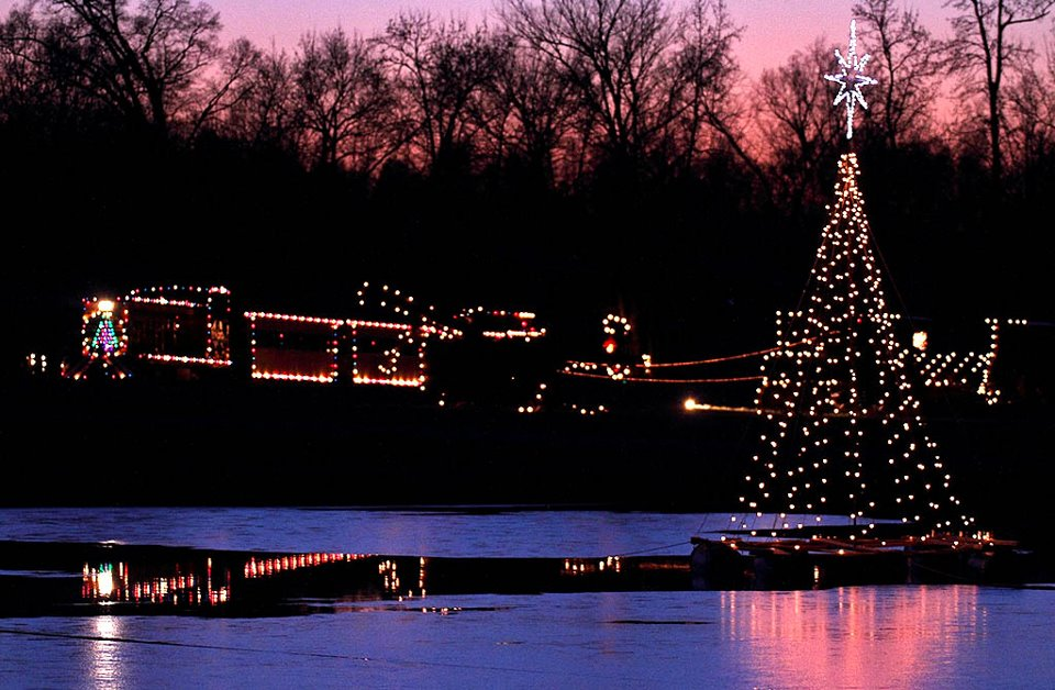 hours of operation friday saturday 430 1100 other days 430 1000 - Christmas Train Denton Nc
